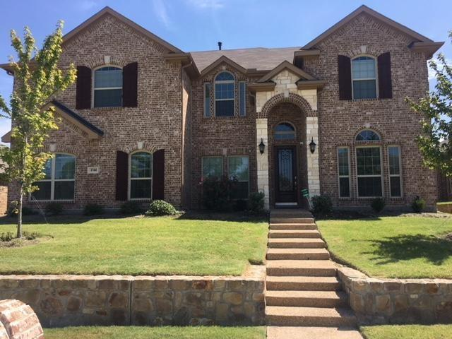 1744 River Run Drive, Desoto, TX 75115 (MLS #13917143) :: RE/MAX Town & Country