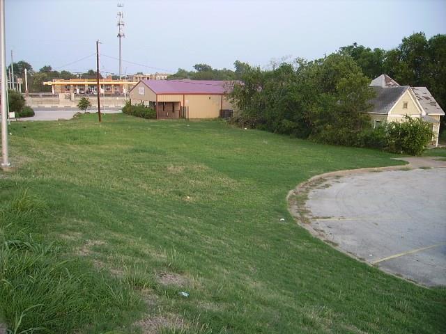 1705 Arizona Avenue, Fort Worth, TX 76104 (MLS #13917338) :: Frankie Arthur Real Estate