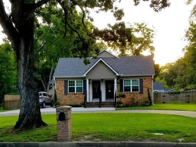 809 S Prairieville Street, Athens, TX 75751 (MLS #13920880) :: The Heyl Group at Keller Williams