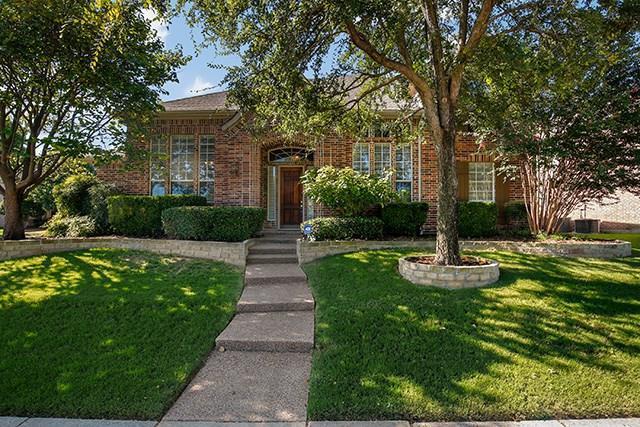 2001 Midhurst Drive, Allen, TX 75013 (MLS #13922720) :: RE/MAX Town & Country
