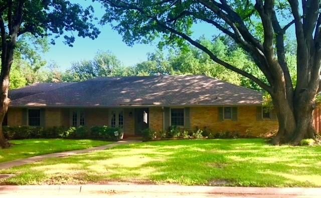 4309 Bobbitt Drive, Dallas, TX 75229 (MLS #13924907) :: RE/MAX Landmark