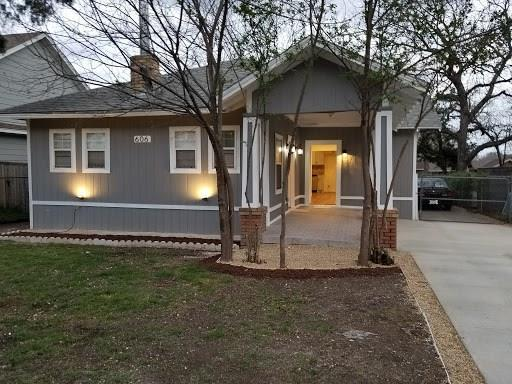 606 Hollywood Avenue, Dallas, TX 75208 (MLS #13925753) :: RE/MAX Town & Country