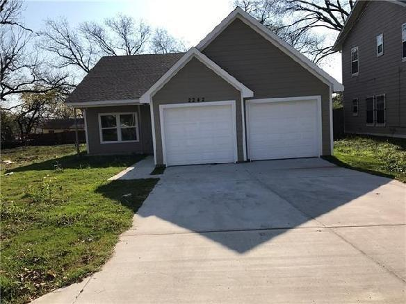5868 Bluffman Drive, Dallas, TX 75241 (MLS #13928949) :: RE/MAX Pinnacle Group REALTORS