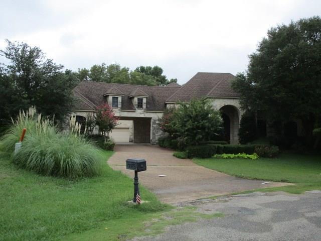 2910 Wellington Drive, Sherman, TX 75092 (MLS #13931169) :: Kimberly Davis & Associates