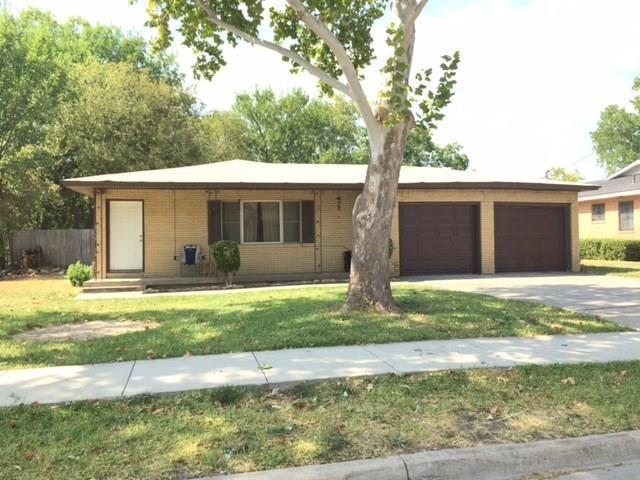 1018 Usher Street, Benbrook, TX 76126 (MLS #13932212) :: Team Tiller