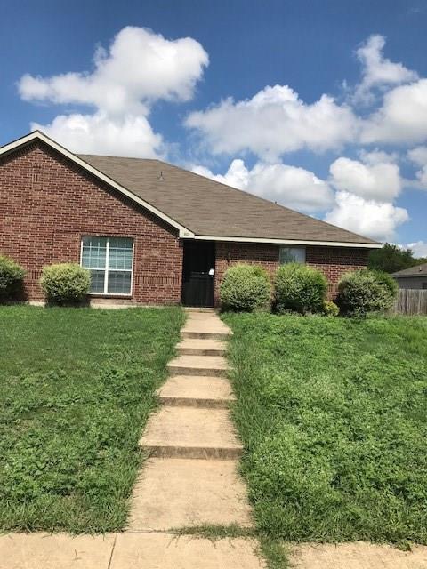 801 Brookhaven Drive, Lancaster, TX 75134 (MLS #13936648) :: Pinnacle Realty Team