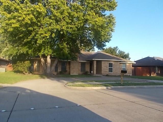 5012 Ben Davis Drive, Sachse, TX 75048 (MLS #13937230) :: Kimberly Davis & Associates