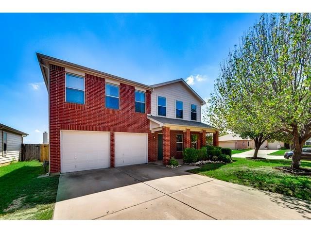 8300 Horse Whisper Lane, Fort Worth, TX 76131 (MLS #13938807) :: Baldree Home Team