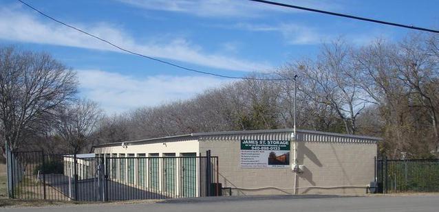 2410 James Street, Denton, TX 76205 (MLS #13938944) :: Baldree Home Team