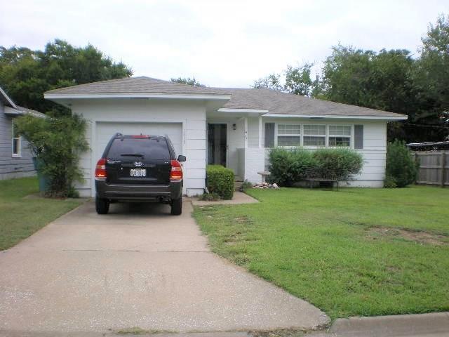 1417 N Highland Avenue, Sherman, TX 75092 (MLS #13939495) :: Baldree Home Team