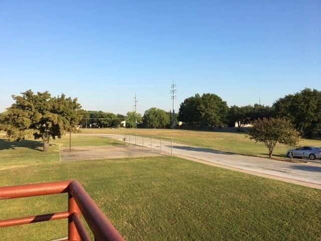 1720 S Edmonds Lane, Lewisville, TX 75067 (MLS #13939850) :: Real Estate By Design
