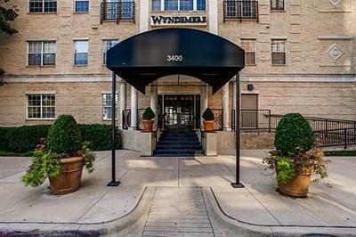 3400 Welborn Street #118, Dallas, TX 75219 (MLS #13939903) :: Van Poole Properties Group