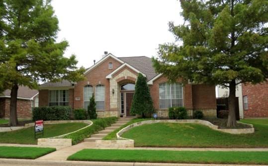 5905 Legend Lane, The Colony, TX 75056 (MLS #13939936) :: Baldree Home Team