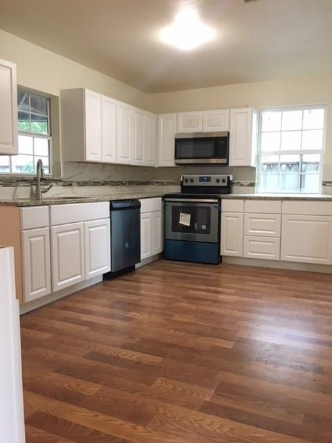 1823 Skylark Drive, Arlington, TX 76010 (MLS #13940351) :: Magnolia Realty
