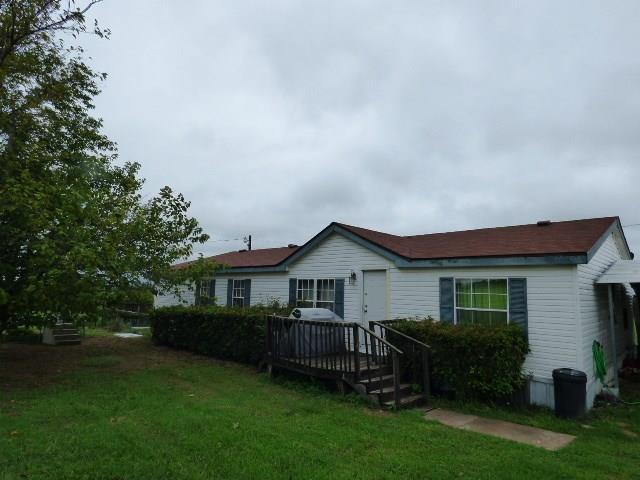204 County Road 3203, Bridgeport, TX 76426 (MLS #13940552) :: Frankie Arthur Real Estate
