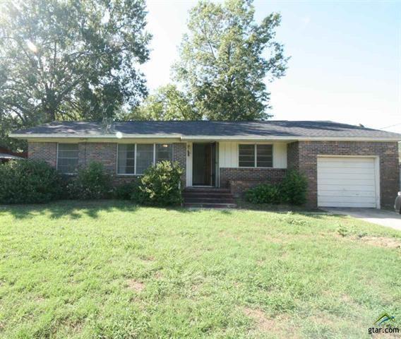 204 Redbud Lane, Mount Pleasant, TX 75455 (MLS #13941257) :: Exalt Realty