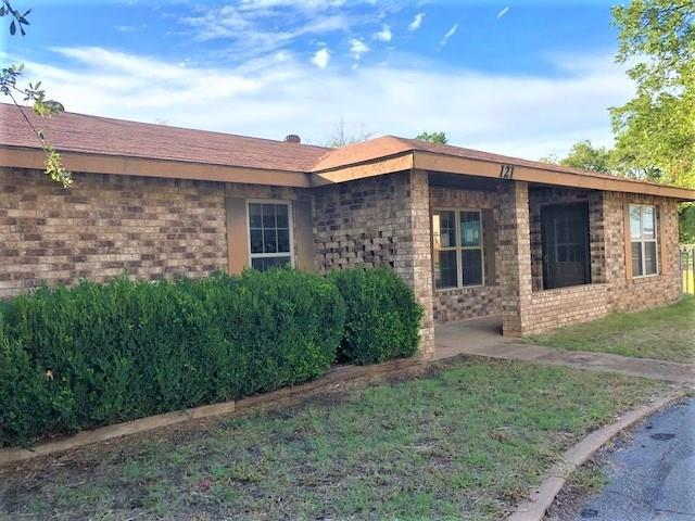 121 N 12th Avenue, Munday, TX 76371 (MLS #13943173) :: Robbins Real Estate Group