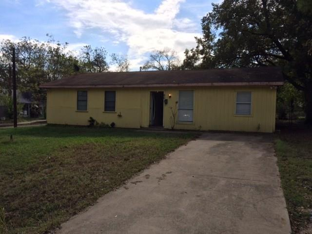 601 S 5th Street, Bonham, TX 75418 (MLS #13944431) :: The Real Estate Station