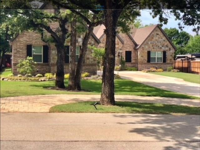 8708 Stewart Drive, North Richland Hills, TX 76182 (MLS #13945553) :: RE/MAX Town & Country