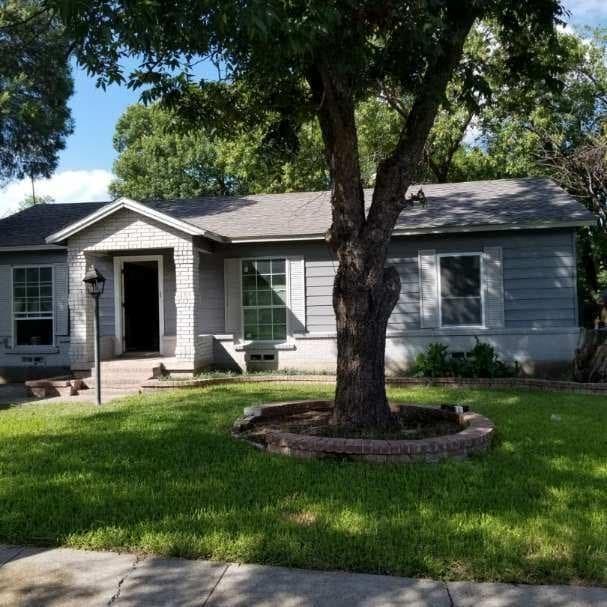 833 Crockett Street, Garland, TX 75040 (MLS #13947282) :: North Texas Team | RE/MAX Lifestyle Property