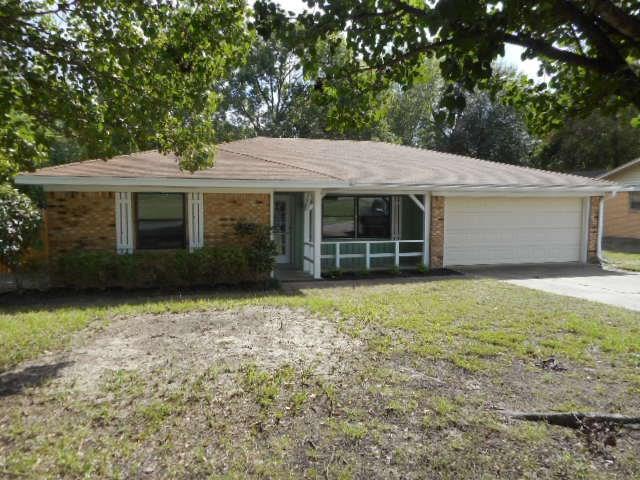 704 Lee, Sulphur Springs, TX 75482 (MLS #13947508) :: Robbins Real Estate Group