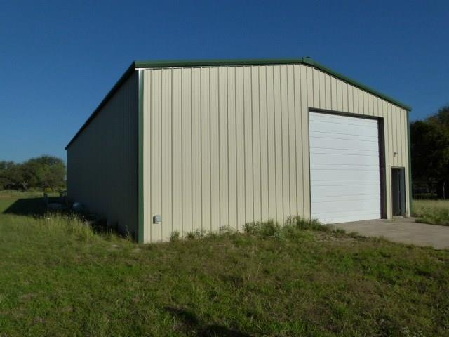 10204 Cliff Drive, Brownwood, TX 76801 (MLS #13948560) :: The Real Estate Station