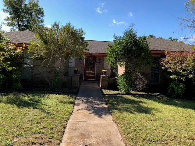 800 Cypress Drive, Allen, TX 75002 (MLS #13948756) :: RE/MAX Town & Country