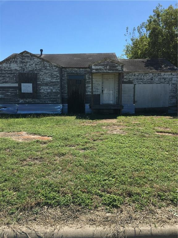 1109 E 10th Avenue, Corsicana, TX 75110 (MLS #13950397) :: The Chad Smith Team