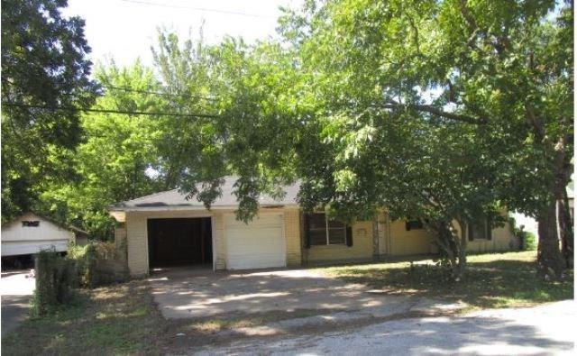 605 N Line Street, Mineola, TX 75773 (MLS #13951965) :: Robbins Real Estate Group