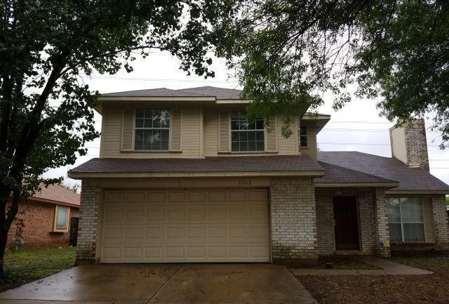 2868 Red Oak Drive, Grand Prairie, TX 75052 (MLS #13957601) :: RE/MAX Landmark
