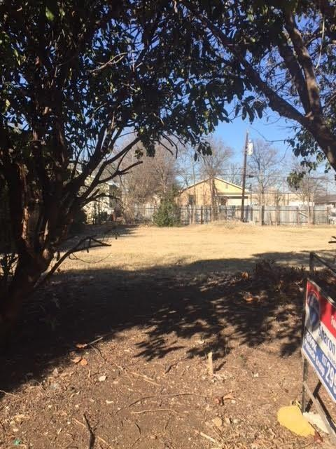 1635 E Leuda Street, Fort Worth, TX 76104 (MLS #13961258) :: RE/MAX Town & Country