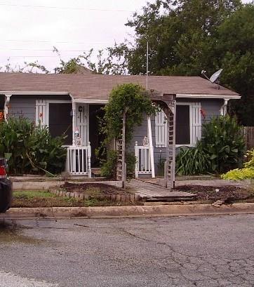 415 Washington Street, Grapevine, TX 76051 (MLS #13962015) :: The Chad Smith Team