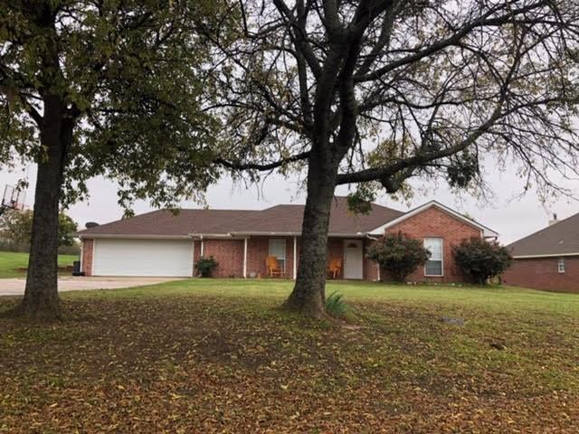 201 College Street, Gunter, TX 75058 (MLS #13964334) :: RE/MAX Town & Country
