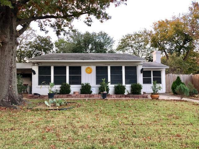 2437 Nicholson Drive, Dallas, TX 75224 (MLS #13970967) :: RE/MAX Landmark