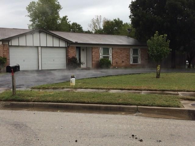 500 Jayellen Avenue, Burleson, TX 76028 (MLS #13972143) :: The Sarah Padgett Team