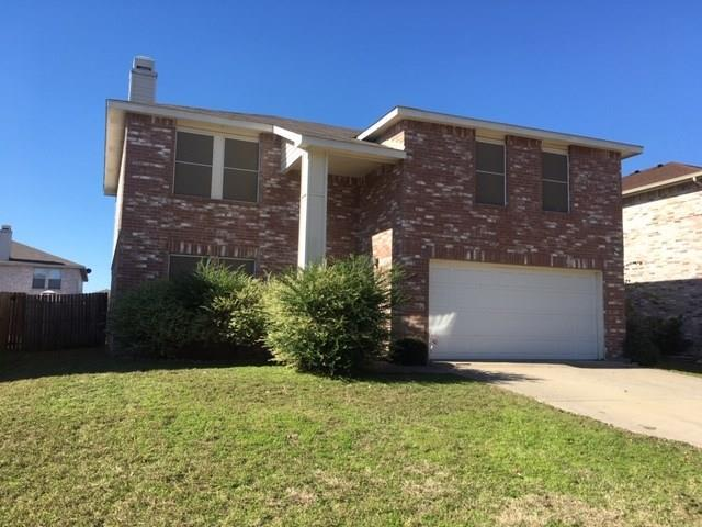 2915 Celian Drive, Grand Prairie, TX 75052 (MLS #13975008) :: The Tierny Jordan Network