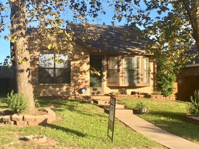 208 Callender Drive, Fort Worth, TX 76108 (MLS #13976571) :: The Paula Jones Team | RE/MAX of Abilene