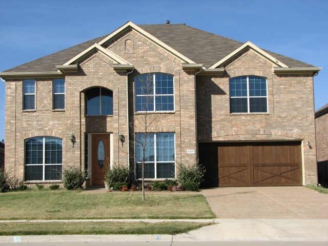 5541 Crimson Oaks Drive, Frisco, TX 75035 (MLS #13977060) :: Potts Realty Group