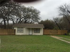 632 W Columbia Drive, Azle, TX 76020 (MLS #13977425) :: Frankie Arthur Real Estate