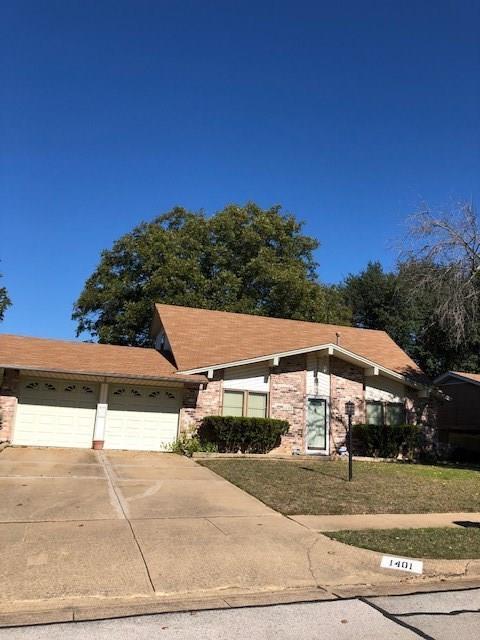 1401 Carla Avenue, Arlington, TX 76014 (MLS #13979458) :: RE/MAX Town & Country