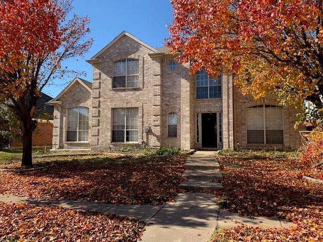 826 Idlewood Drive, Allen, TX 75002 (MLS #13980390) :: Kimberly Davis & Associates