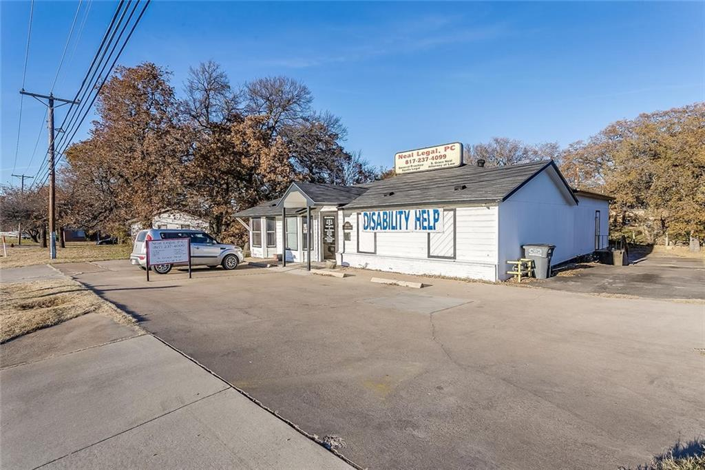 1005 Southeast Parkway - Photo 1