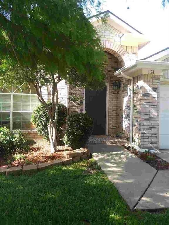 1124 Secretariat Drive, Grand Prairie, TX 75052 (MLS #13981773) :: The Hornburg Real Estate Group