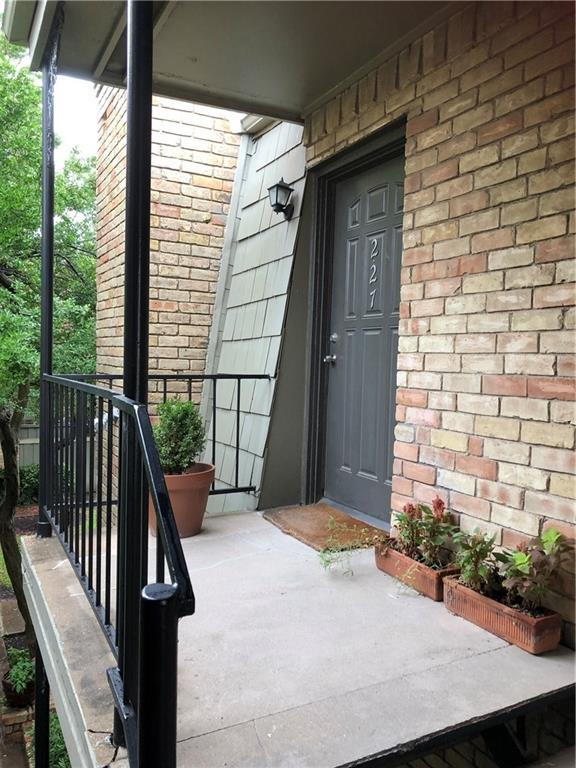 7704 Meadow Road #227, Dallas, TX 75230 (MLS #13985339) :: The Hornburg Real Estate Group