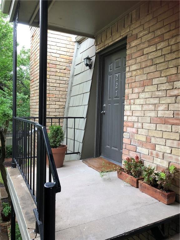 7704 Meadow Road #227, Dallas, TX 75230 (MLS #13985339) :: Century 21 Judge Fite Company