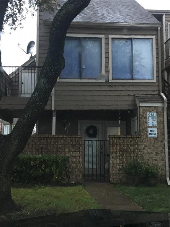 9811 Walnut Street #208, Dallas, TX 75243 (MLS #13985346) :: The Rhodes Team