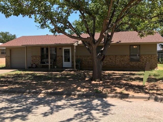 702 N Charles Street, Seymour, TX 76380 (MLS #13987115) :: Kimberly Davis & Associates