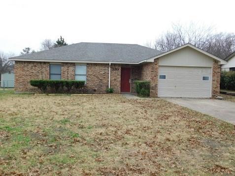 330 Linkcrest Drive, Duncanville, TX 75137 (MLS #13987120) :: Kimberly Davis & Associates