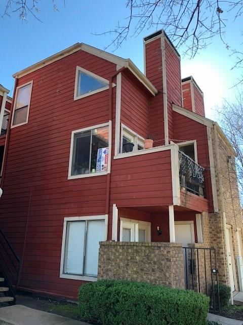 9805 Walnut Street #202, Dallas, TX 75243 (MLS #13989594) :: Hargrove Realty Group