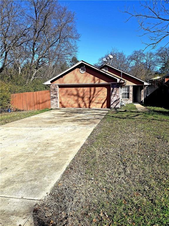 2320 Fatima Avenue, Dallas, TX 75241 (MLS #13989851) :: The Real Estate Station